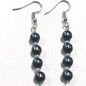 Linear drop earrings faux pearls